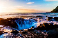 Thor's Well and Heceta Lighthouse Oregon Coast / ソーの井戸と燈台